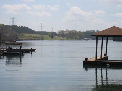 Beautiful lakefront retreat, private pool, firepit, boat dock, kayaks, and more.