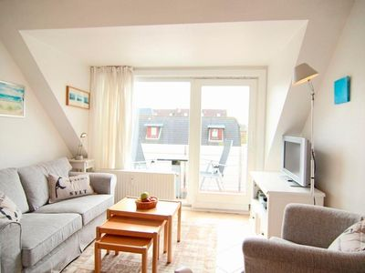 Photo for 2BR Apartment Vacation Rental in Wenningstedt