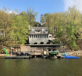 Photo for *Making Memories At the Lake-Waterfront House -Prvt Boat Dock&Large Patio*WIFI