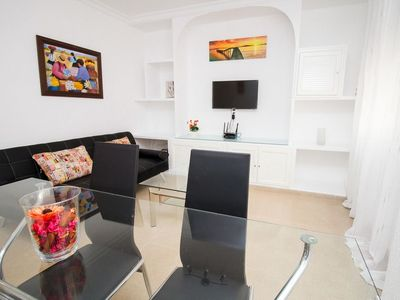 Photo for Beautiful Central Apartment Ollerias by La Recepion