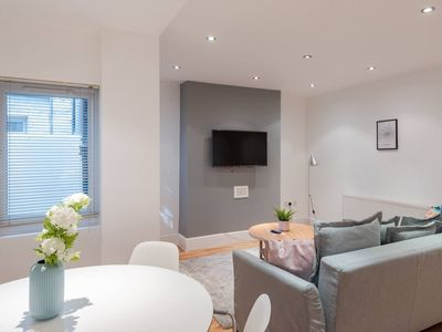 Photo for Newly refurbished 1 bedroom for 4 in Chelsea