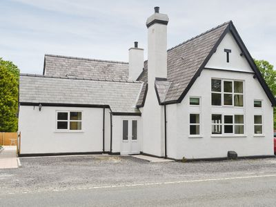Photo for 3BR House Vacation Rental in Caeathro, Caernarfon