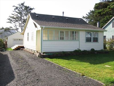 Photo for Charming Renovated 1922 Bungalow in Heart of Yachats Village