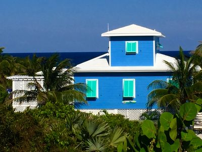 NEWLY RENOVATED & RENTING NOW:  CATCH A WAVE BAHAMAS 3BR/ 2 BATH WITH POOL