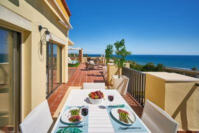 Outdoor living, panoramic rooftop terrace, sea views 180*