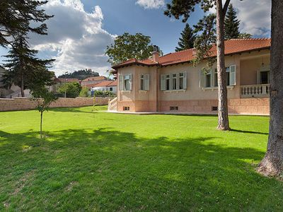 Photo for 4BR Villa Vacation Rental in SINJ
