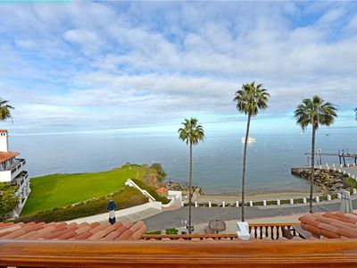 Photo for Breathtaking ocean front villa, 2 Fireplaces, WIFI, King