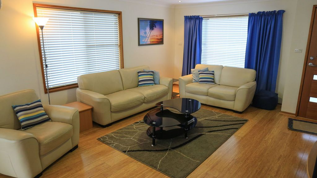 Pacific View - Easily accommodates two families
