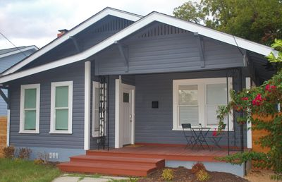 Photo for Great Downtown Location!!  Riverwalk, Pearl, Southtown, Alamodome all close!!