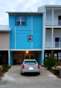 Photo for Beautiful 2 bedroom townhome steps from the beach! Pull right up to the door!