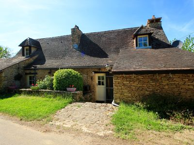 Photo for 5 gites, a pretty stone house and 2 swimming pools in the heart of the Périgord Noir