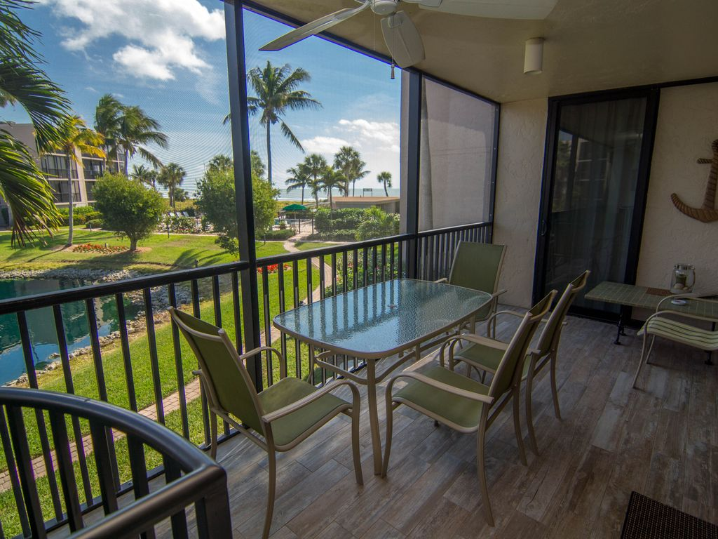 Lovely Beach View Three Bedroom Condo With Lower Level