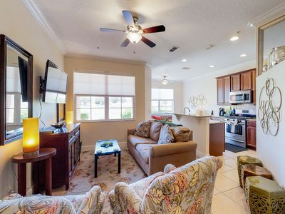 Photo for Bright, colorful townhome w/ shared pool & hot tub - dogs are welcome!
