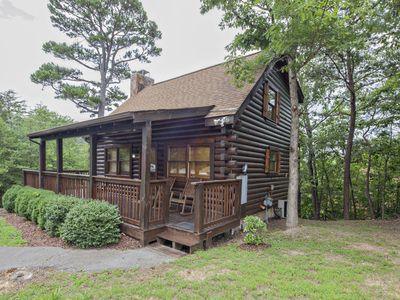 ER103 - Knotty Pine  Great location - Close to town!
