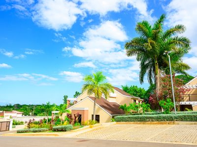 Lovely Vista LuxuryTownhome in an upscale, gated community in Negril, Jamaica!