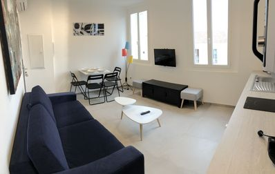 Photo for Superb T2 nine in the heart of Sanary, everything on foot, air conditioning, wifi, parking