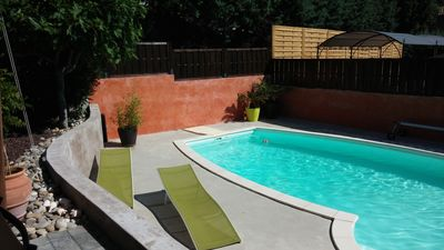 Photo for Villa with pool in the heart of the vineyards of Provence and at the foot of the Luberon