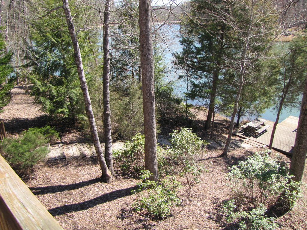Property Image#14 Lakeside Retreat A Beautiful Lakefront Log Cabin, On  Mirror Lake~