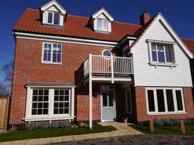 Photo for Teal House - Five Bedroom House, Sleeps 10