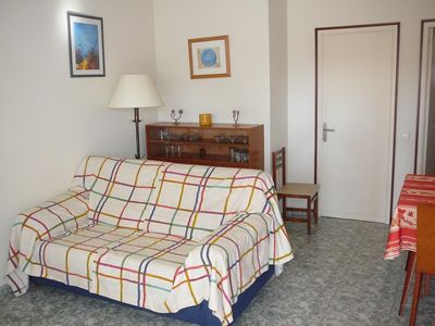 Photo for Great Location! Apartment Near Downtown and only 250m From the Beach!