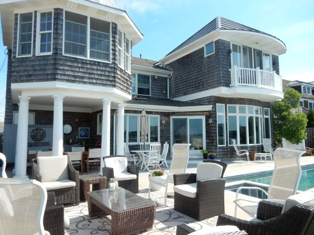 Modern 5 Bedroom House On Open Bay With Beautiful Sunset Views: 6 BR  Vacation House For Rent In Mantoloking , New Jersey | HomeAway.ca