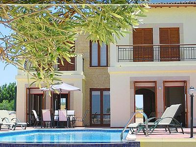 Villa In A Golf Resort With Private Pool and Dramatic Views.