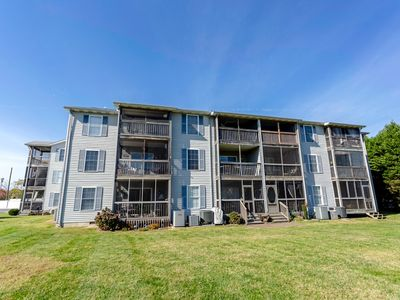 Photo for First floor condo with community pool!