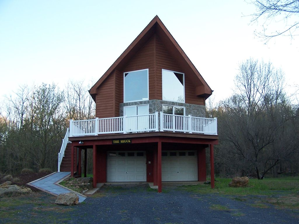 Christopher 39 s riverside cabins the shuck luray for Shenandoah valley romantic cabins