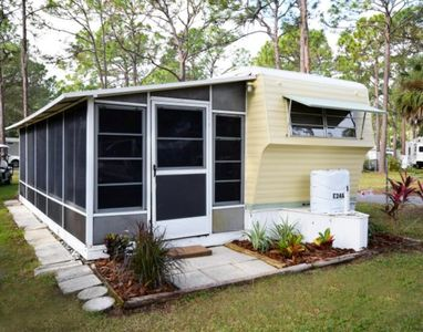 Luxury glamping in historic Florida - family friendly