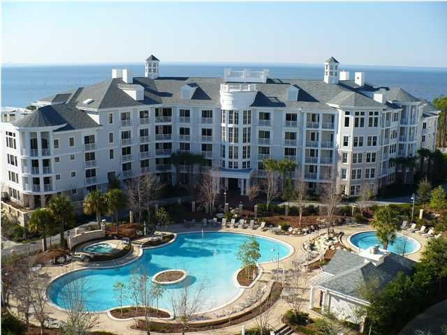 Ideal location renovated poolside unit w patio king bed - Florida condo swimming pool rules ...