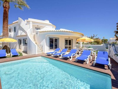 Photo for Villa Crispa - close to beach & shops, with private pool, Wi-Fi & A/C