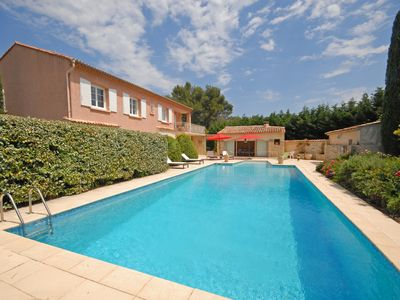Photo for Superb 5 bedroom House in Pertuis, Luberon National Park (Q8