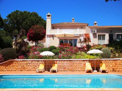 Photo for Four Bedroom Villa located in the heart of Quinta do Lago with Heated Pool CA01