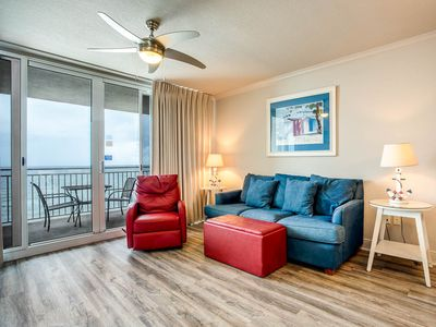 Photo for Emerald Beach #1131, 2 bedroom on the beach with great views