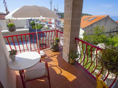 Photo for Studio flat with terrace and sea view Makarska (AS-11063-b)