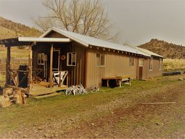Photo for 4BR Cabin Vacation Rental in Mitchell, Oregon