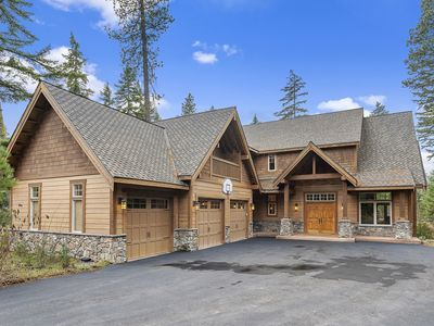 Photo for Luxurious Mountain Retreat w/ Hot Tub, Fire Pit, BBQ, and Full Resort Access!