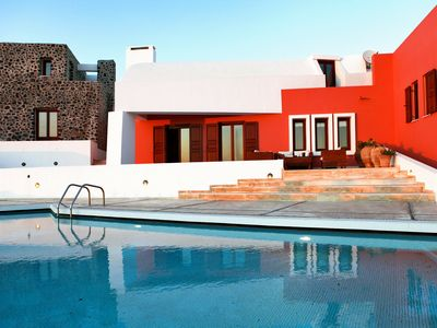 Photo for CHARMING VILLA near Imerovigli with Pool & Wifi. **Up to $-4255 USD off - limited time** We respond 24/7