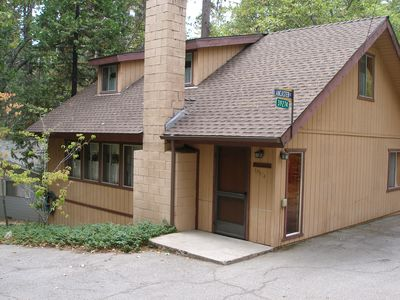 Photo for CUTE & COZY HOME IN WILLOW COVE - SHORT WALK TO PINES VILLAGE AND LAKE