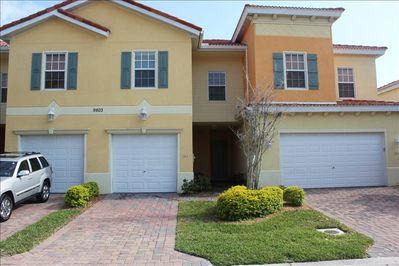 Beautiful Townhouse with 1-Car Garage -- 3 minute walk to the pool.