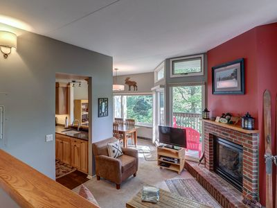 Photo for Cozy condo w/ 3 shared pools, shared tennis & hot  tubs - near the slopes, golf!