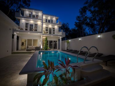 Photo for Luxurious Family Safe Property with 4 beds, 2.5 bath, pool, near town & beaches