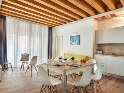 Photo for Charming 3bdr flat with balcony in Venice