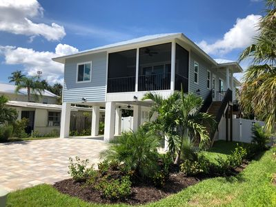Blue oasis, just a 2-3 minute walk from the beach.
