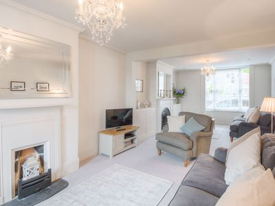 Photo for Beautiful Arundel Townhouse set in the South Downs near the sea