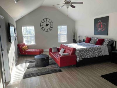 Photo for A Lake View in Atlanta! Bed/Bath on Main Level. Payment Plans Available