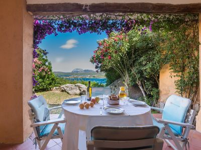 Photo for Villa for 5 people with a panoramic garden with views of the Gulf of Marinella