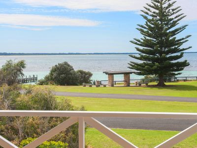 Photo for Bayside - absolute beach front in Flinders Bay