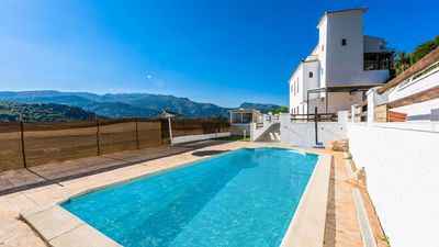 Huge villa ideal for groups, in the town of Benaoján
