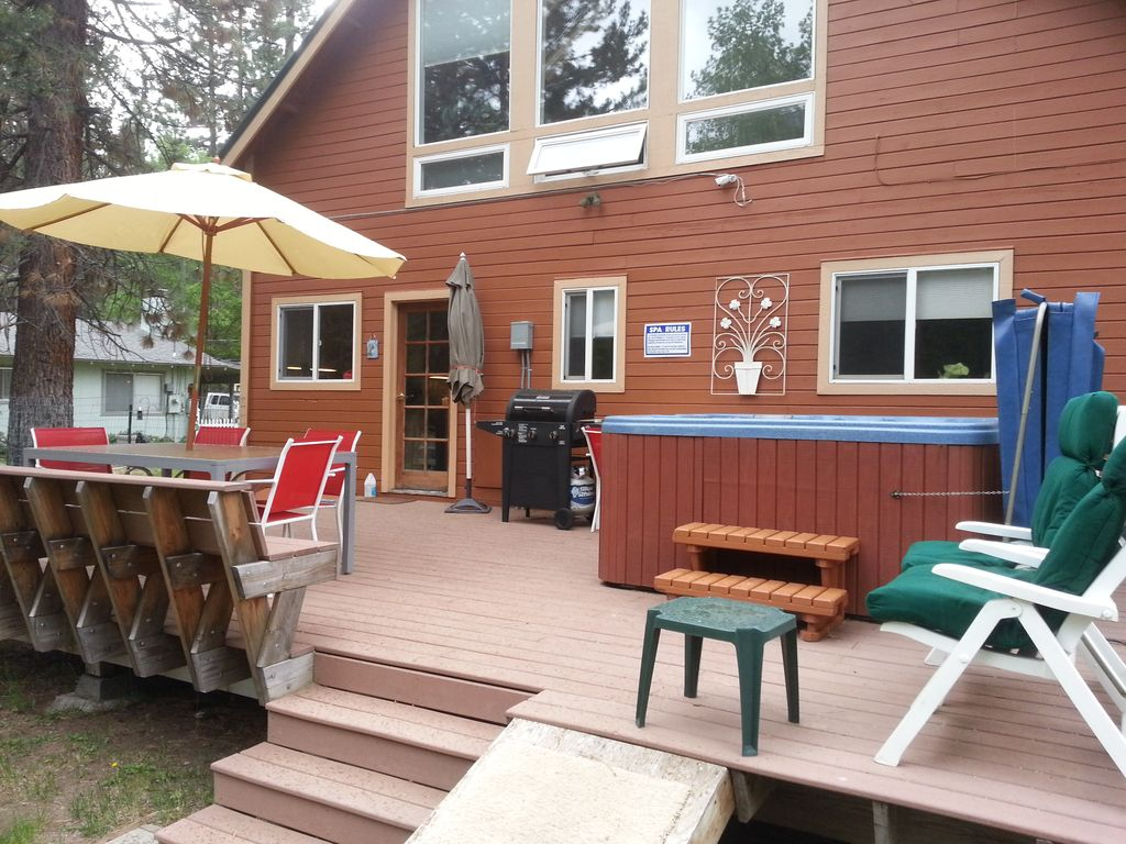 Beautiful Ski Chalet 3Bd, Hot Tub.Sierra, Heavenly
